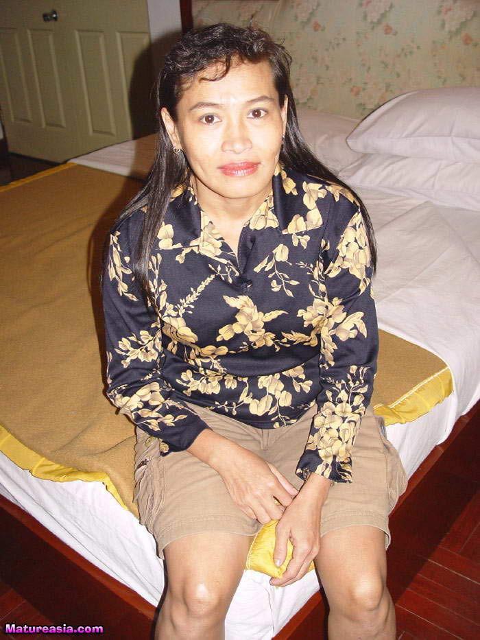 Пожилые филиппинки нуждаются в регулярном сексе
