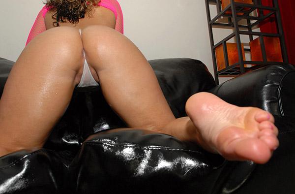 Фетиш нарядных женских ног