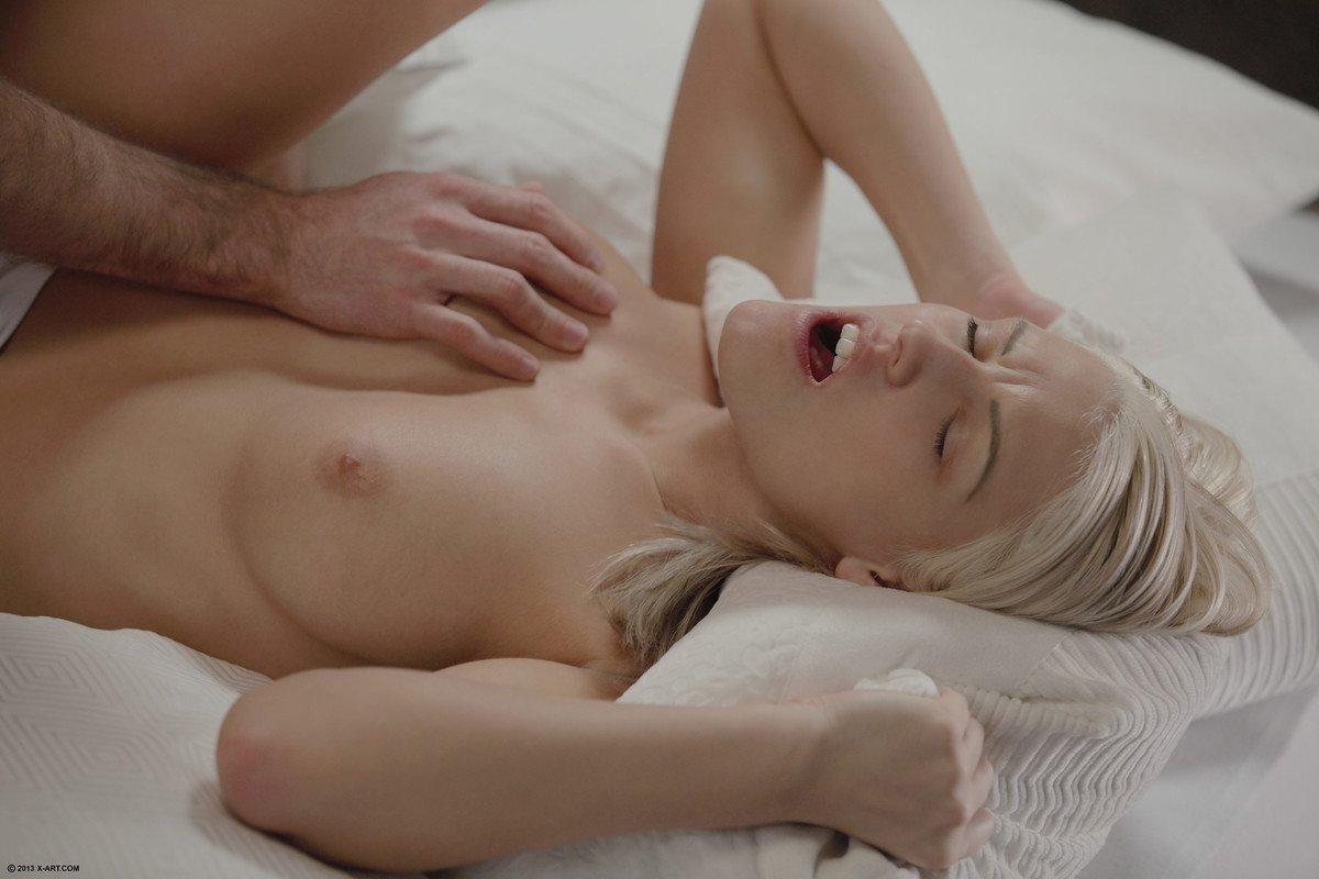 Идеальная блондинка Blanche Bradburry хочет впустить хуй поглубже
