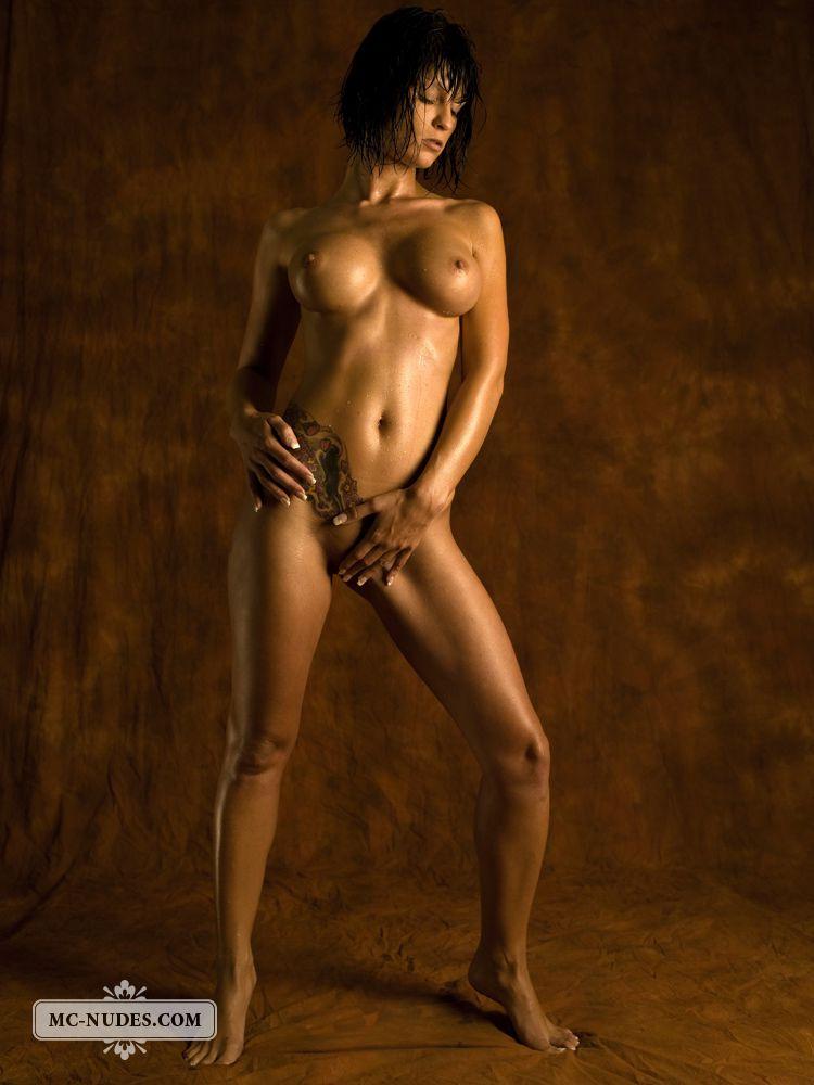 Чрезвычайно интимные фото бронзового тела Jazz Mcnudes, ее выбритой дыры и огромных грудей