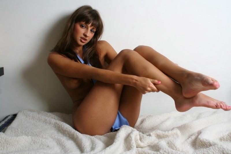 Домашняя клубничка с русской ххх моделью Марией Рябушкиной