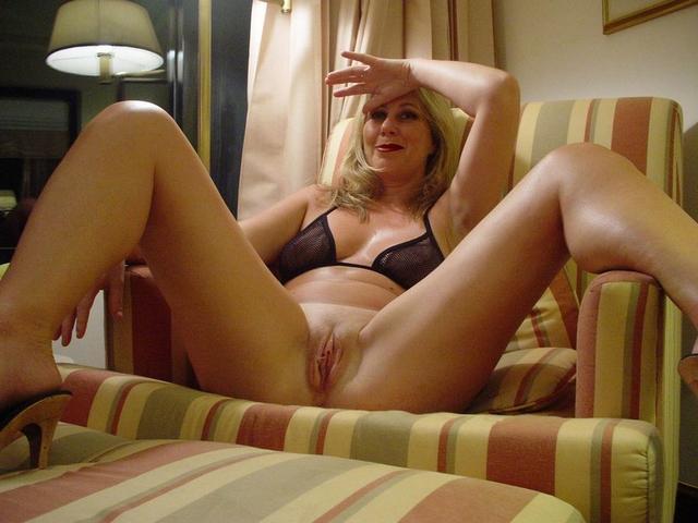 Взрослые сестры с потрясающими формами порно фото