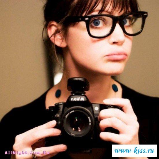 Не обнаженные чики в очках
