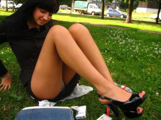 Русские студентки засвечивают раздетые прелести пошлым любовникам