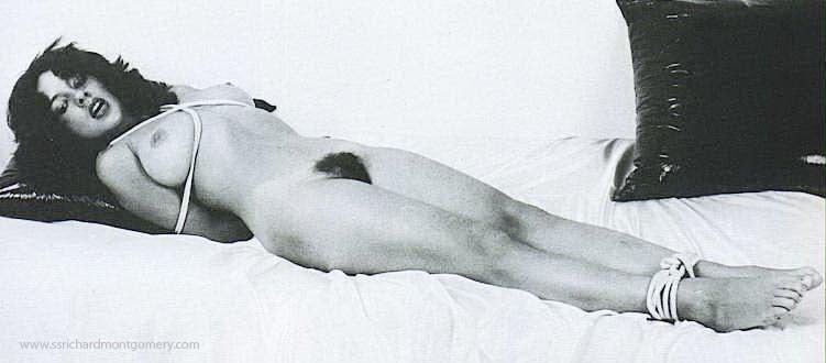 Подборка винтажных фото в которых чикули ублажают свои дырки в ванне