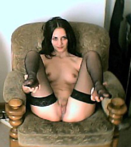 Винтажные фото стройняшки раздвигающей ножки в кресле