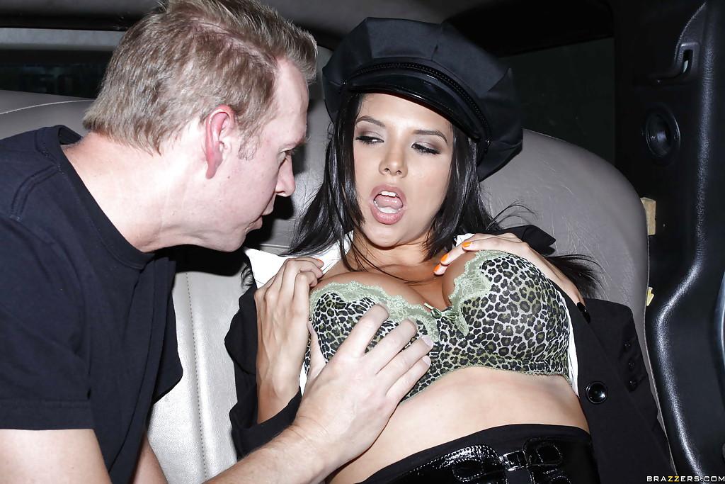 Пассажир жарит в авто водительницу лимузина Missy Martinez