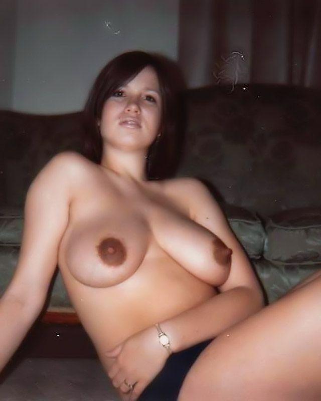 Домашнее порно с сиськастыми красотками