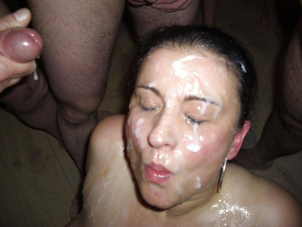 Друзья залили кончёй лицо моей супруги, на ее день рождения