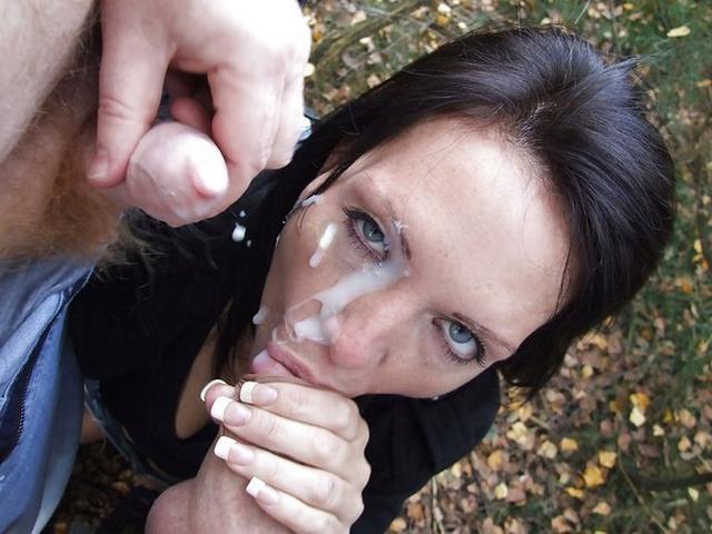 Молоденькие бестии любят глотать сперму и получать фонтаны спермы на лицо после отсоса