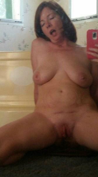 Опытная леди хочет интимные фотографии перед выходом в свет