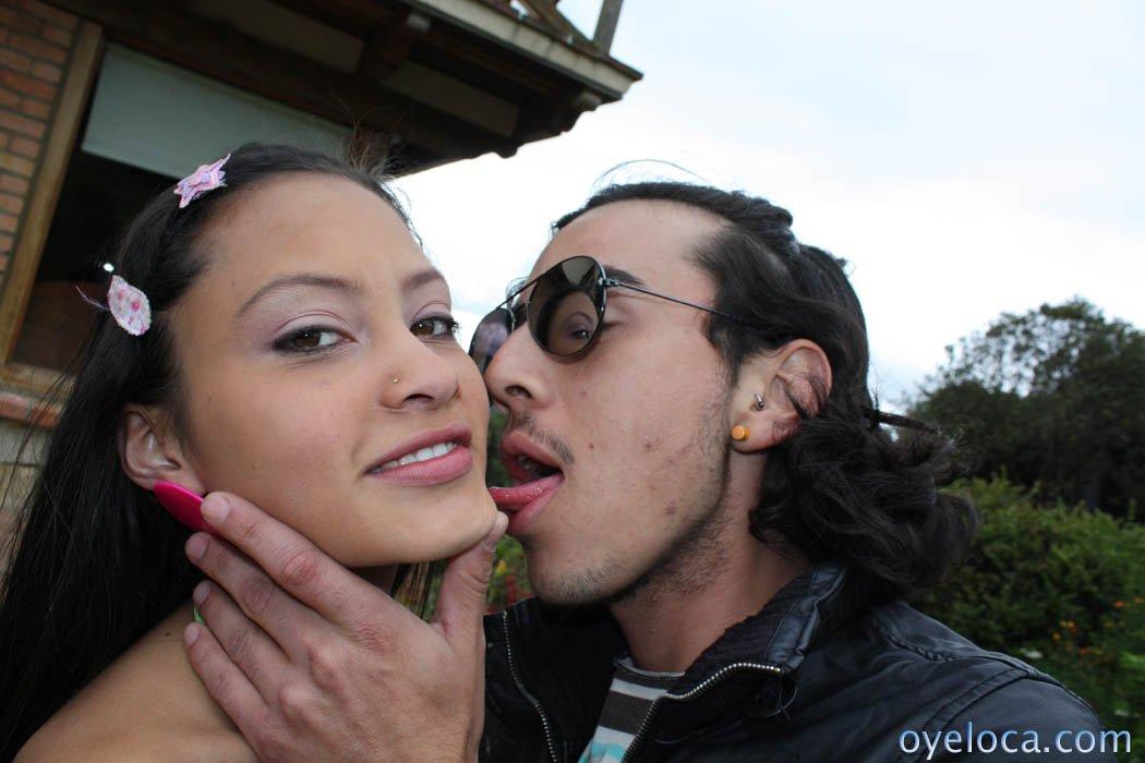 Стройная мулатка Tami Fabiana получает сперму на лицо