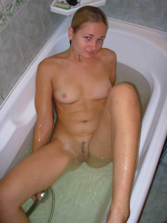 Обнаженные представительницы слабого пола в ванной - подборка 005