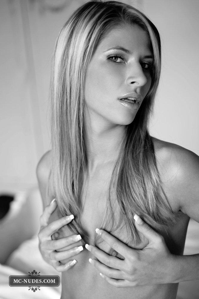 Эти снимки прелестной Paloma A стоит посмотреть