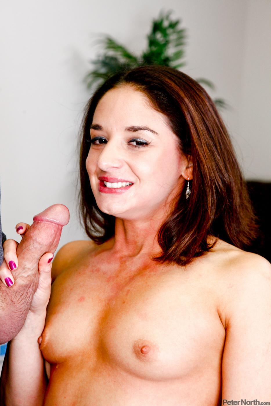 Секс леди Sheena Ryder жаждет поебаться, а потом готова впустить сперму