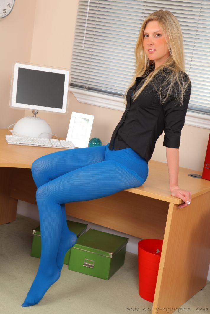 Неудовлетворенная секретарша желает проникновения