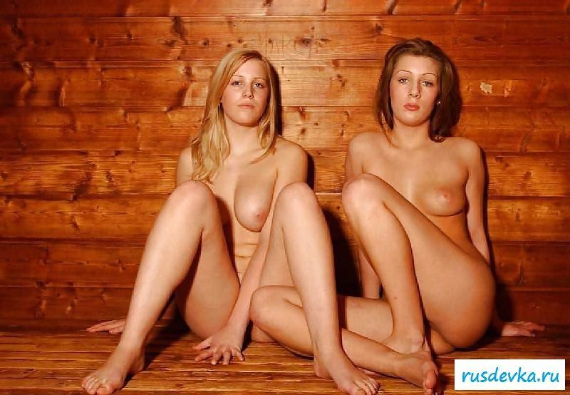 Сестры решили попариться в баньке