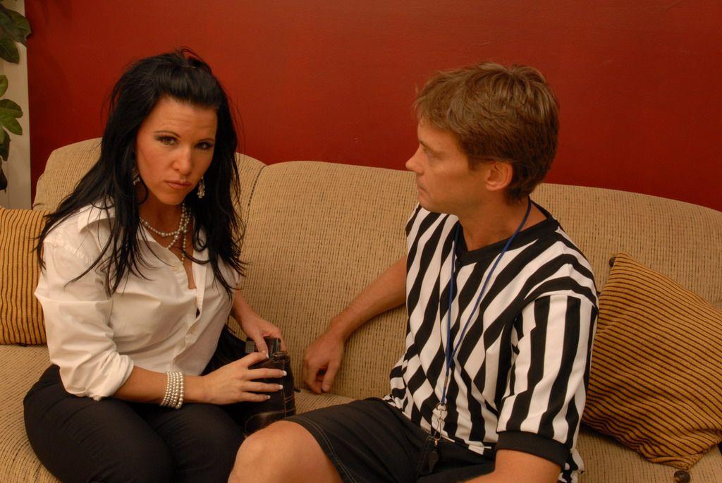 Мама Kendra Secrets так возбуждена со спортивным парнем