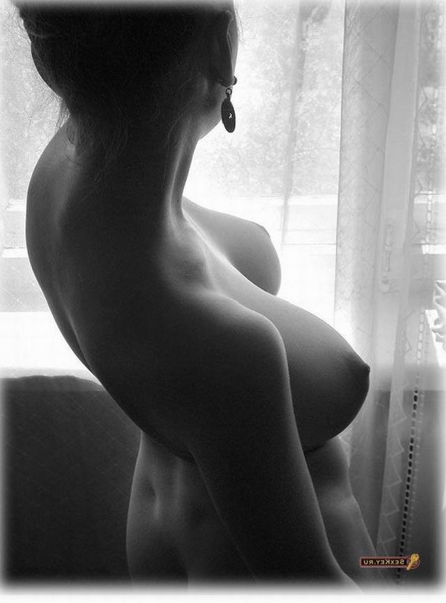 Строптивые юные девки хвастают жарким торсом