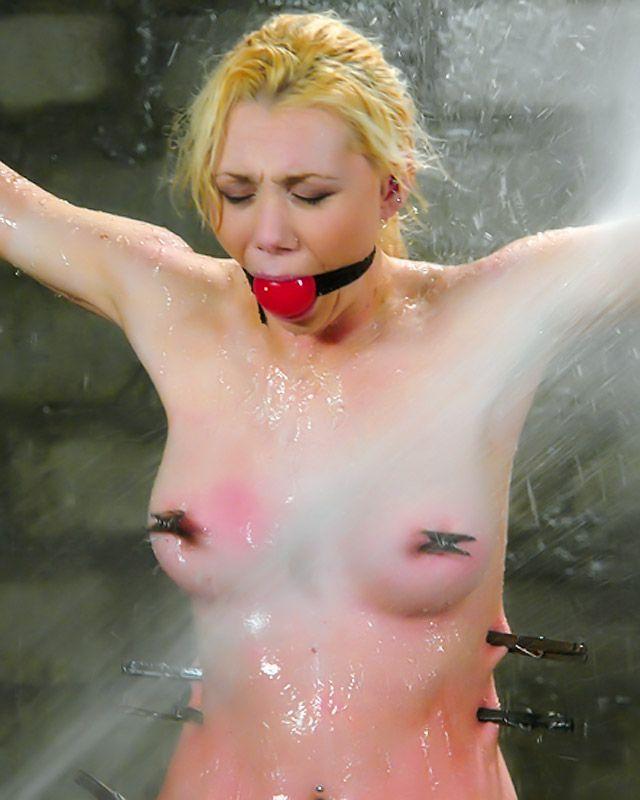 Красивый Бдсм с рыжей давалкой с красивой грудью